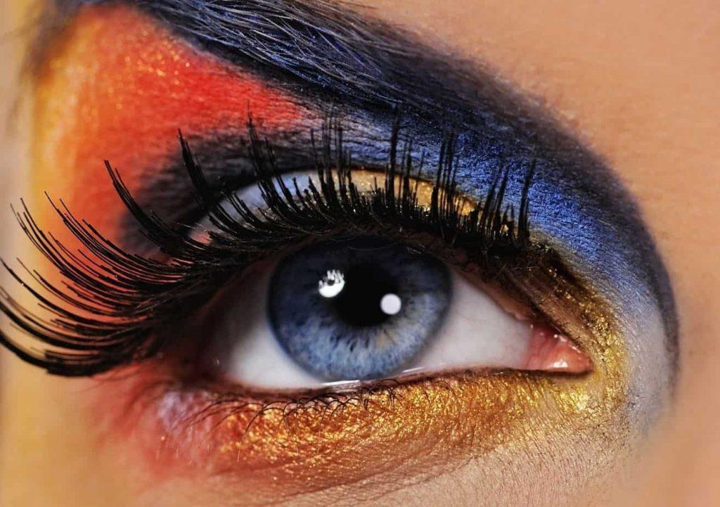 blue eyes eyeshadow
