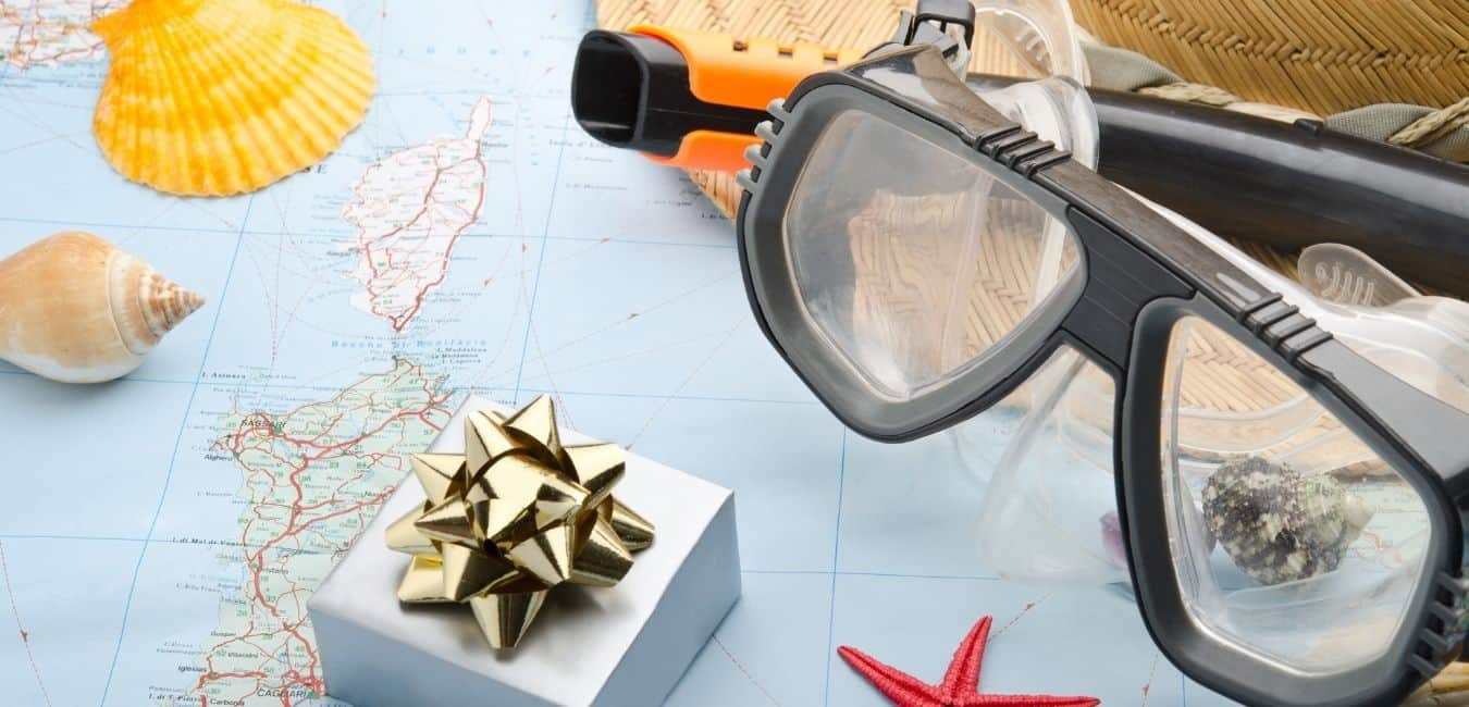 25 Awesome Holiday Gifts for Travelers